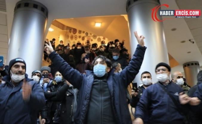 Kadıköy Belediyesi'nde 2 bin 300 işçi greve başladı