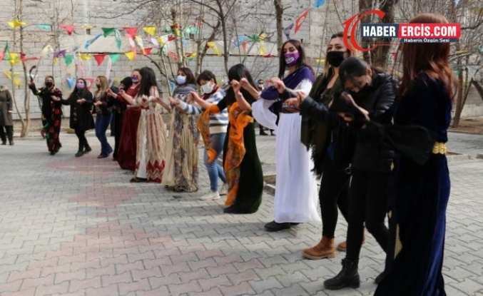Kadınlar Van'da 8 Mart Dünya Kadınlar gününün startını verdi