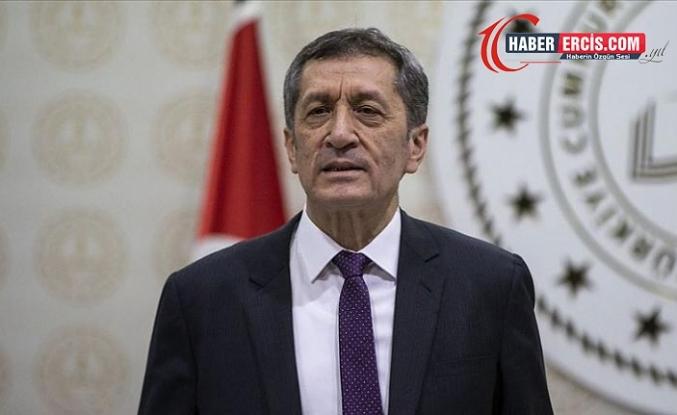 Bakan Selçuk: Türkçeden başka dil öğretilmez