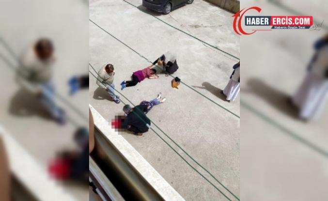Vanlı kadın yengesi ile birlikte 2'inci kattan aşağıya düştü