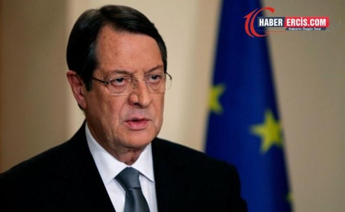 Anastasiadis: Kıbrıs'ı tanımayan, pasaportuna da sahip olamaz