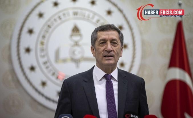 Milli Eğitim Bakanı Selçuk istifa etti