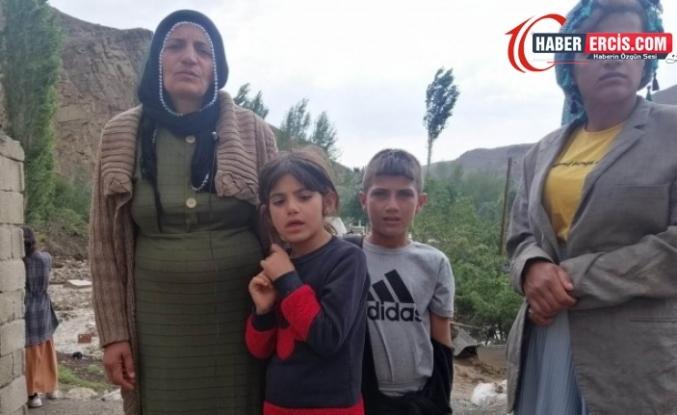 Selde ağıt yakan anne: Evim yıkıldı, dışarıda kaldık