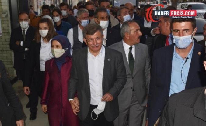 Davutoğlu Van'da asansör kazası geçirdi