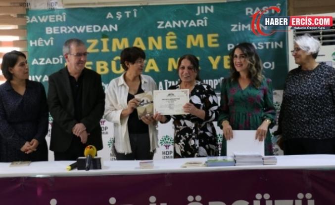 Kürtçe kursundan mezun olanlara sertifika