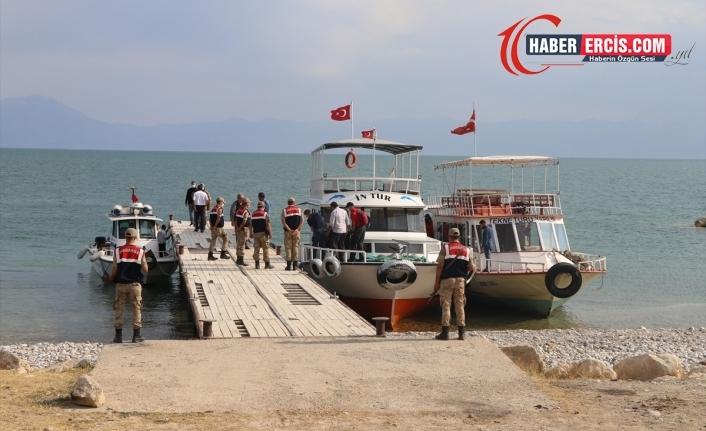 Van'da batan teknede ölü sayısı 19'a yükseldi
